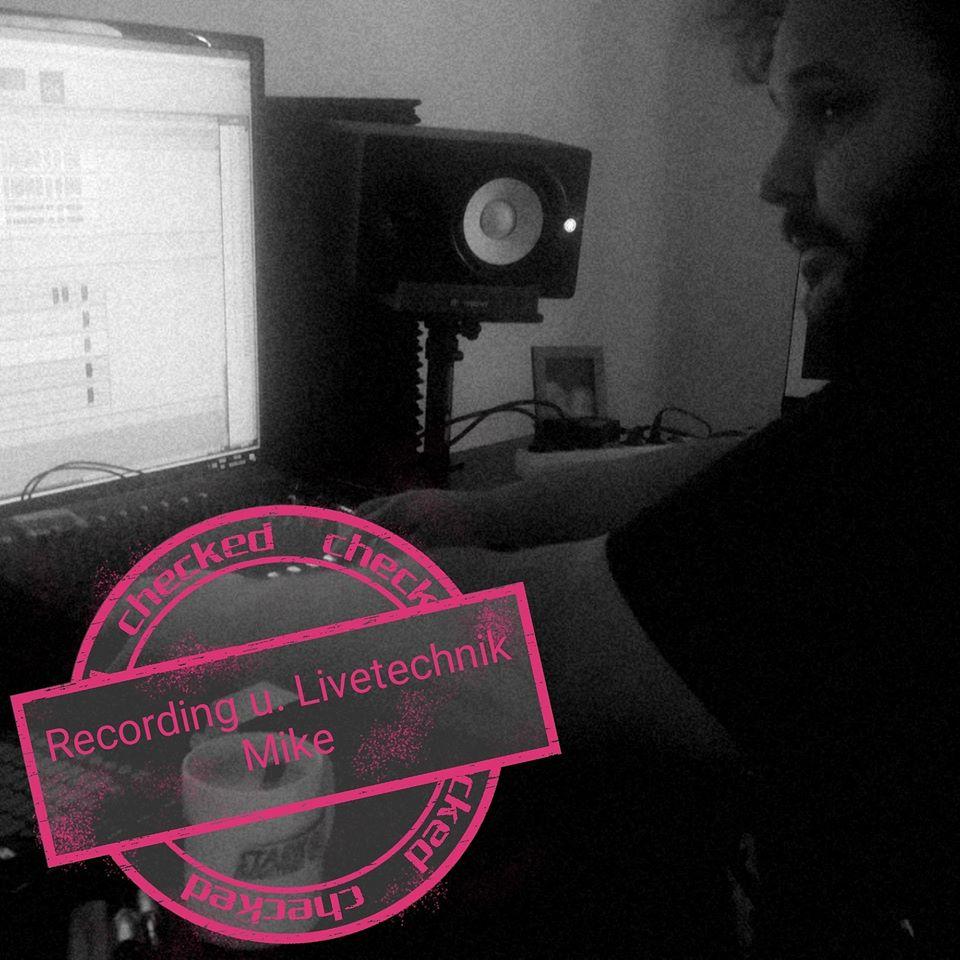 Mike Jarema bei der Arbeit im Studio